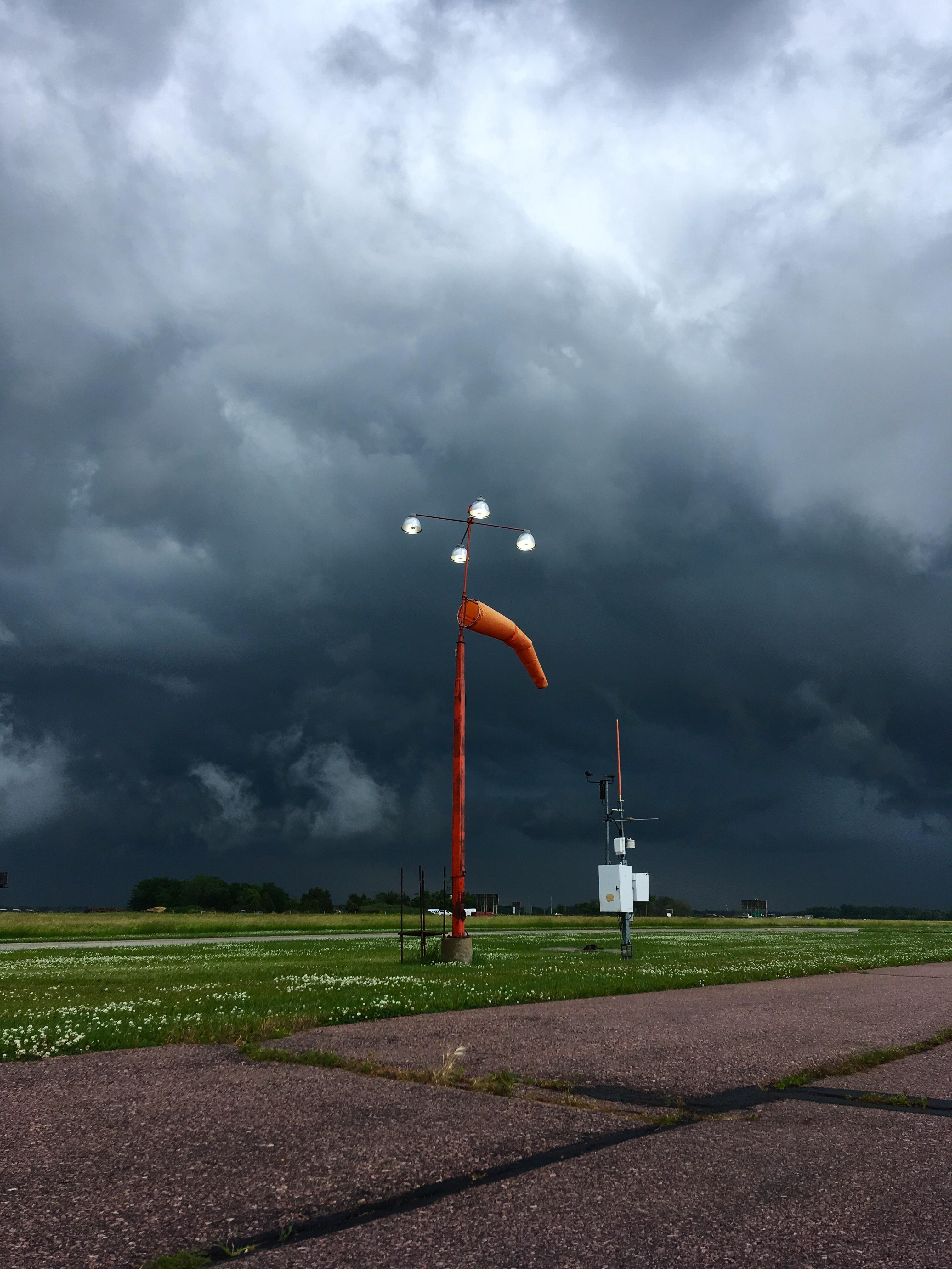 Photo by Will Drzycimski on Unsplash (wiatr)