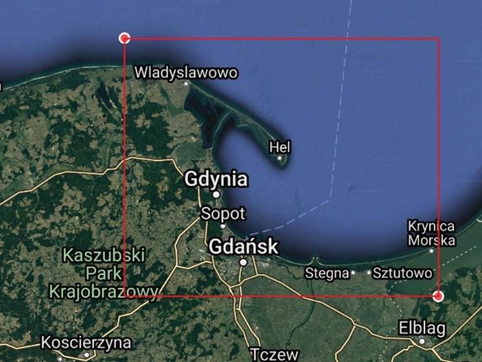 Obszar badań uwzględniony w modelu DELFT 3D/XBeach (zaznaczony czerwonymi krawędziami); źródło mapy: Google Earth – zmodyfikowane.
