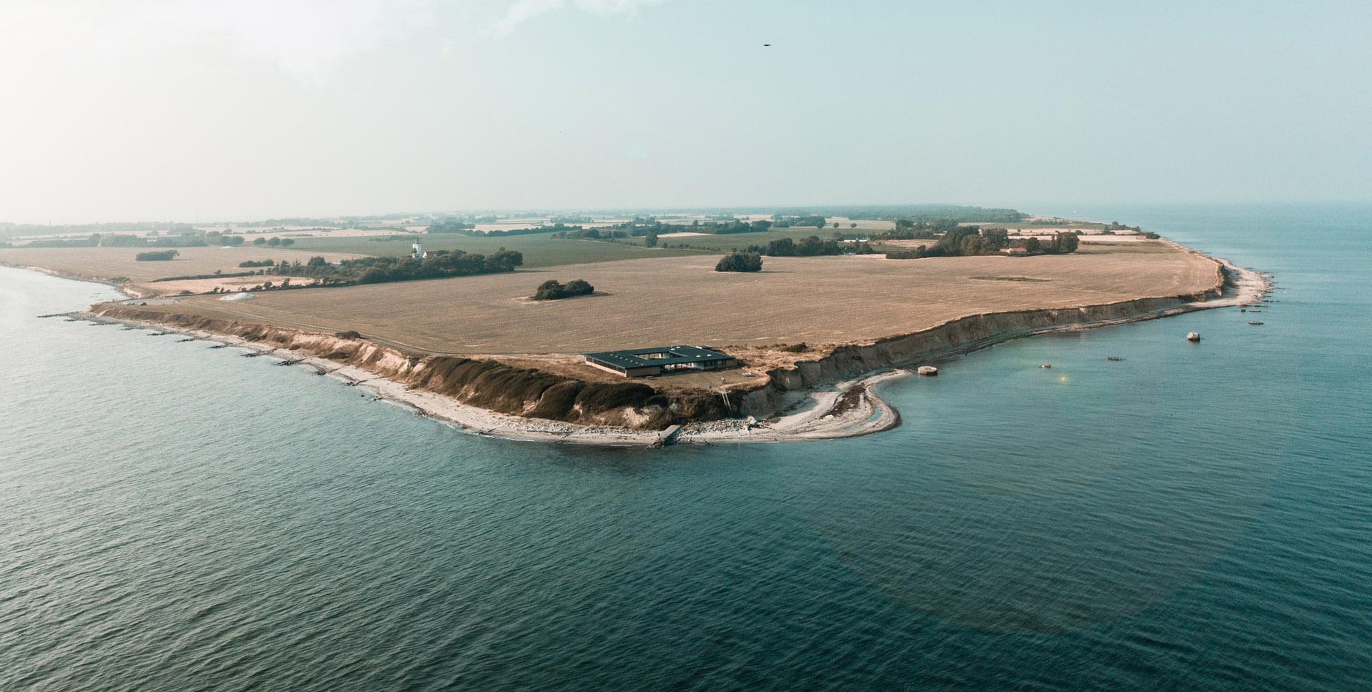 Najbardziej na południe wysunięta część Danii - Gedser Odde na wyspie Falster. Fot. Benjamin Blattler on Unsplash.