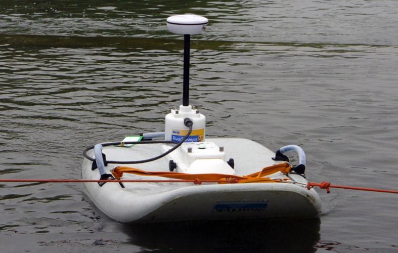 M9 firmy SonTek- prądomierz akustyczny do głębokich wód [IMGW-PIB, Katowice].