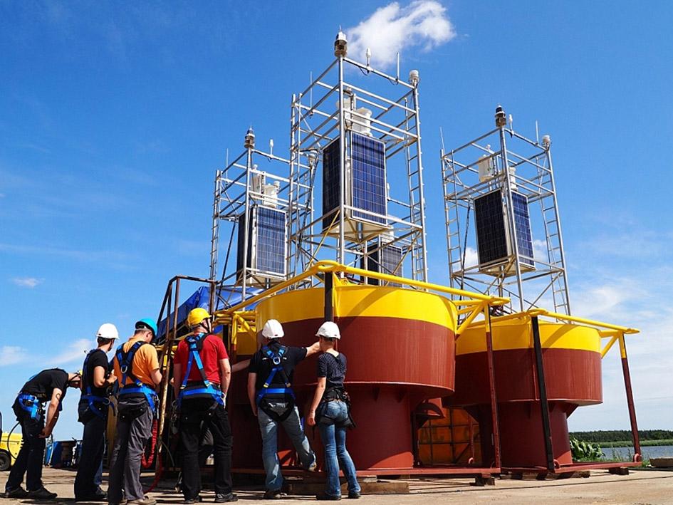 Morskie boje meteorologiczne IMGW-PIB – szkolenie pracowników w zakresie obsługi i serwisu przed wystawieniem na morzu.