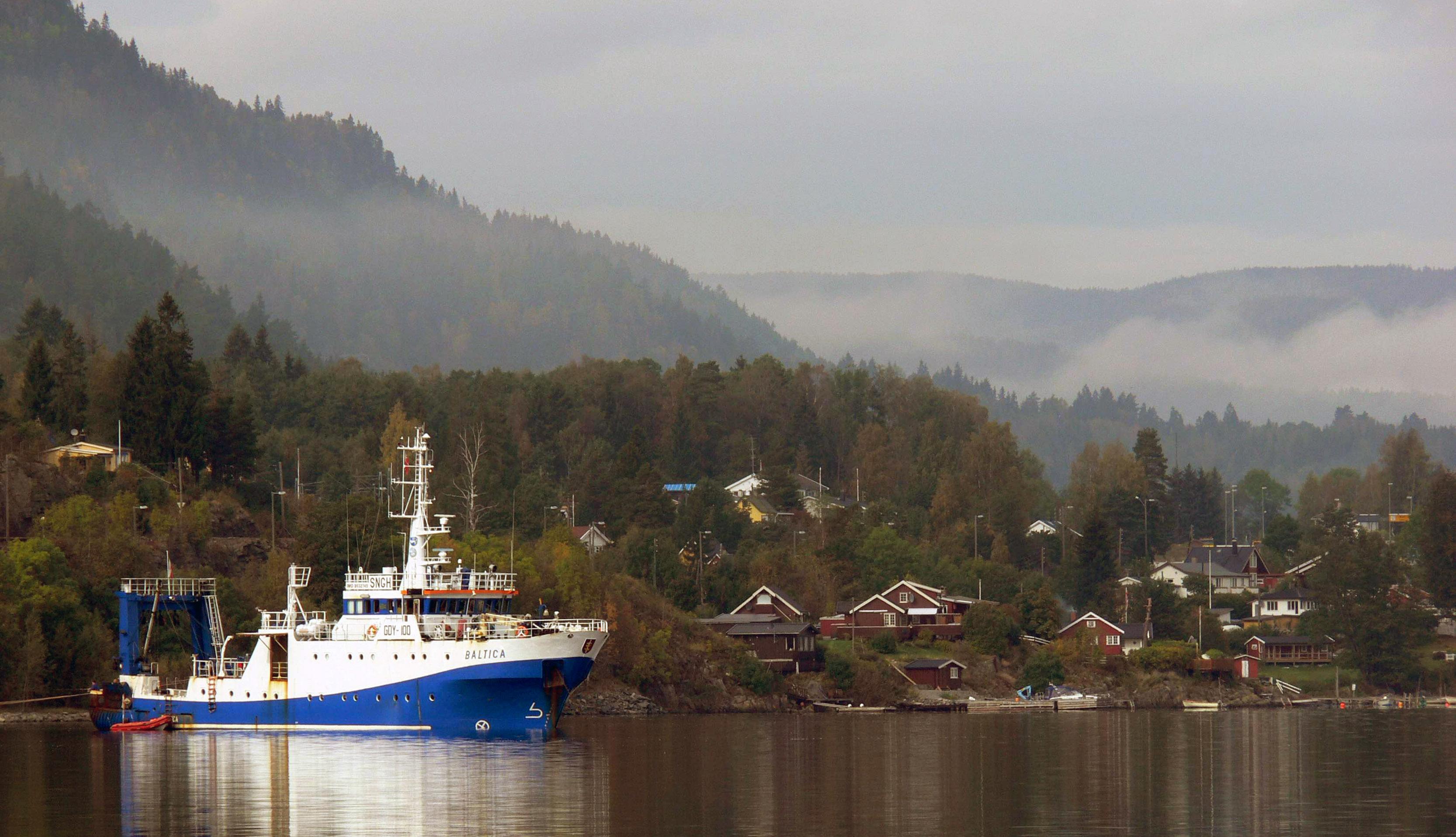 "R/v ""Baltica"" w zatoce Sande w Norwegii. Fot. archiwum MIR-PIB."