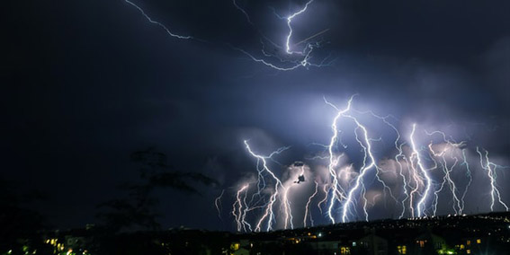 Burza w Johannesburgu, RPA. Fot. Clinton Naik on Unsplash.